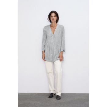 BLOUSE WITH CONTRAST BUTTONS