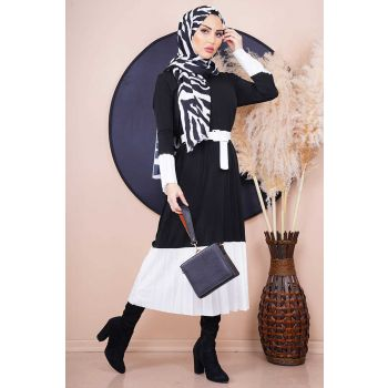 Pleated Model Belted Black Hijab Dress
