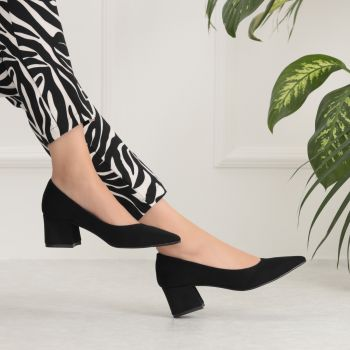 Yudino Short Thick Heeled Suede Black Shoes