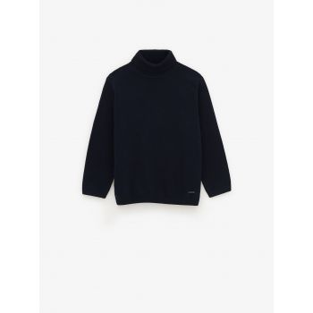 BASIC SOLID SWEATER