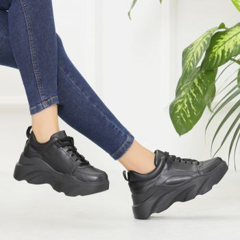 Helsinki Black Thick Soled Sneakers