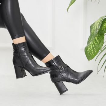 Karzeti Black Crocodile Pointed Toe Boots