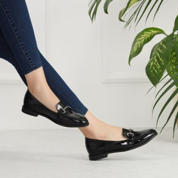 Jarmen Patent Leather Black Buckle Flats