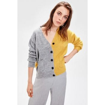 TRENDYOLMİLL to Gray Color Blocked Sweater Cardigan TWOAW20FV0010