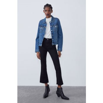 CROPPED FLARE MID-RISE JEANS