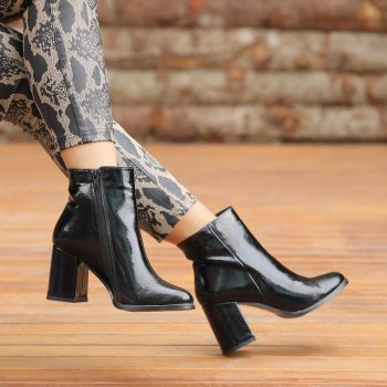 Kotiska Patent Leather Black Thick Heeled Boots