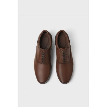 BROWN SPORTY SHOES