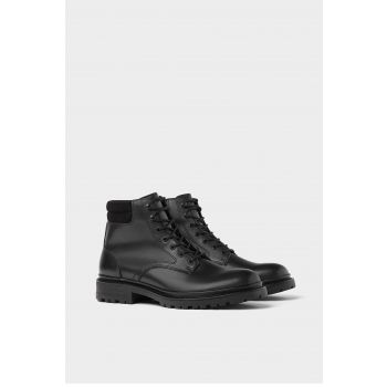 BLACK LACE-UP BOOTS WITH TRACK SOLE
