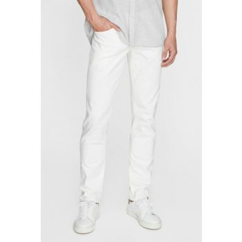 Men's Jake Comfort White Jean 0042223856