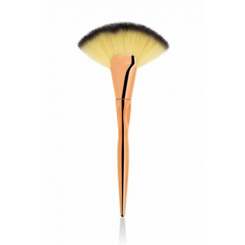 Large Highlighter Brush - Professional Makeup 8680923303291