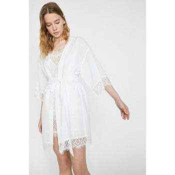 Women's Ecru V Neck 3/4 Sleeve Lace Detailed Nightgown 9YLK52135MW