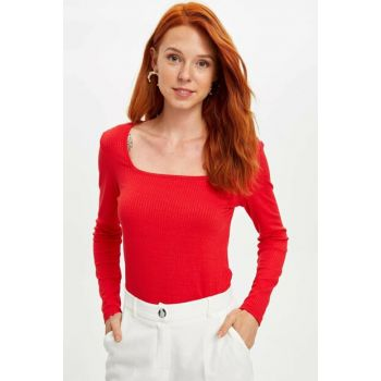 Women's Red Slim Fit T-shirt L5492AZ.19AU.RD227