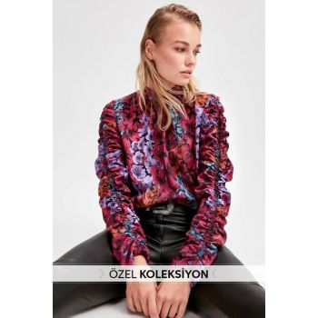 Multicolor Sleeve Detailed Floral Pattern Blouse TWOAW20BZ0763