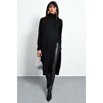 Women's Black Deep-Slit Turtleneck Tunic Y1607