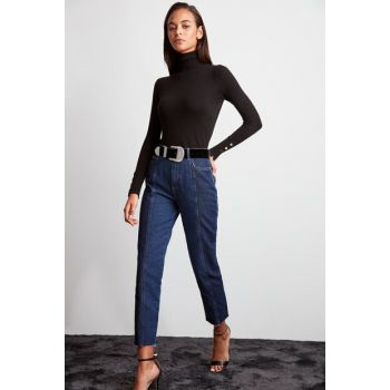 Blue Block Wash Detailed High Waist Mom Jeans TWOAW20JE0109