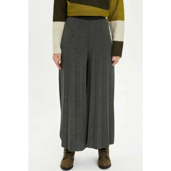 Women's Khaki Spanish Trotters Pleated Relax Fit Knitted Pants M5204AZ.19WN.KH21