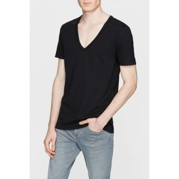 Men's V Neck Black T-Shirt 065771-900