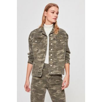 Green Camouflage Denim Jacket TWOAW20CE0325