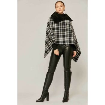 Women Black White Plaid Pattern Colar Fur Lumberjack Poncho 303 Y19W122-303