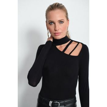 Women's Black Neck Detail Turtleneck YI1617