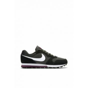 MD Runner Unisex Sports Shoes 749869-012