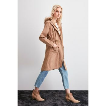 Camel Hooded Fur Coat TWOAW20KB0216