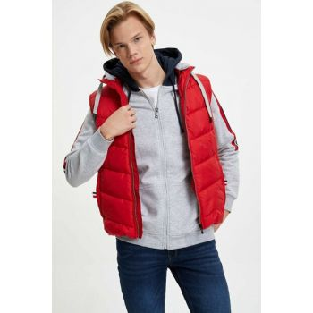 Men's Red Slim Fit Hooded Inflatable Vest L9595AZ.19WN.RD119