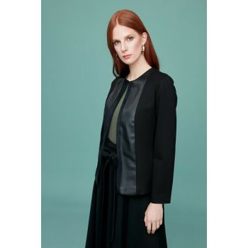 Women's Black Coat Zero Collar, Front Leather And Suede Band Combined, Collar Neck 19KCKT302