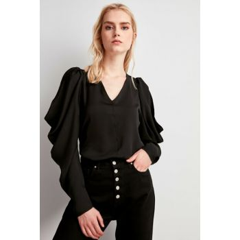 Black Shoulder Detailed Blouse TWOSS20BZ0068