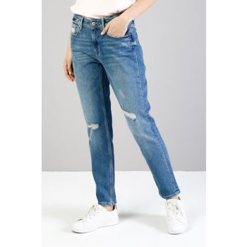 Female Jean CL1035533