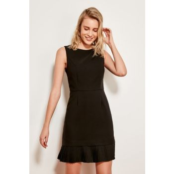 Black Pleated Detailed Dress TOFAW19AA0172