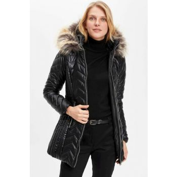 Women's Fur Detailed Hooded Inflatable Coats K7889AZ.19SP.BK46
