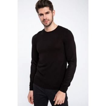 Men's Slim Fit Round Neck Sweater K7981AZ.18WN.BK27