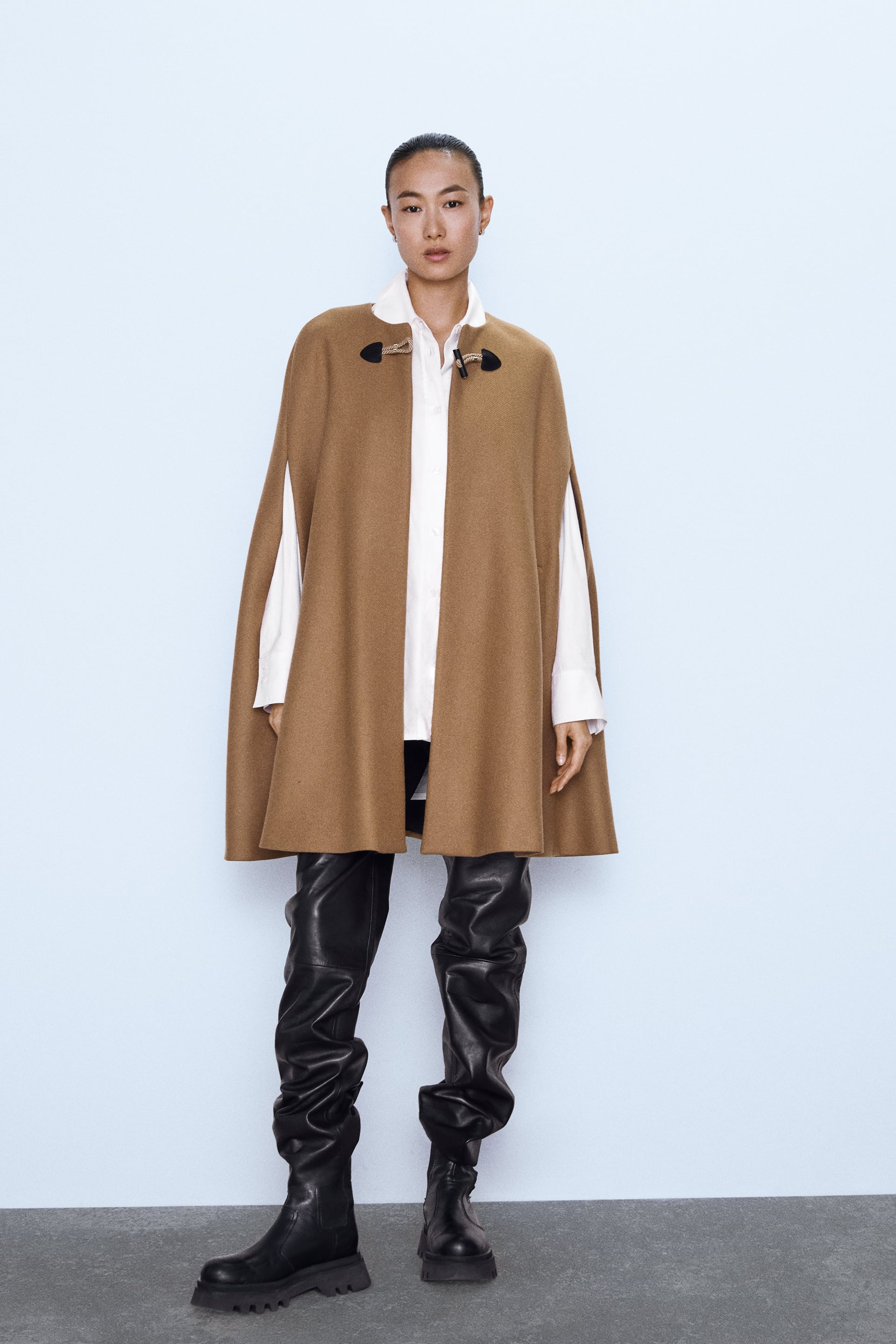 LONG CAPE WITH POCKETS