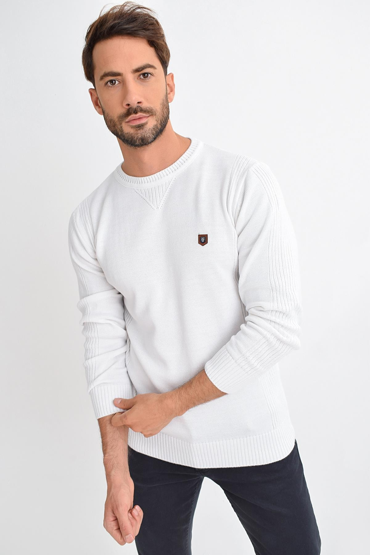 Men's White Crew Neck Basic Sweater Pullover 9KETRWE5000 9KETRWE5000_010