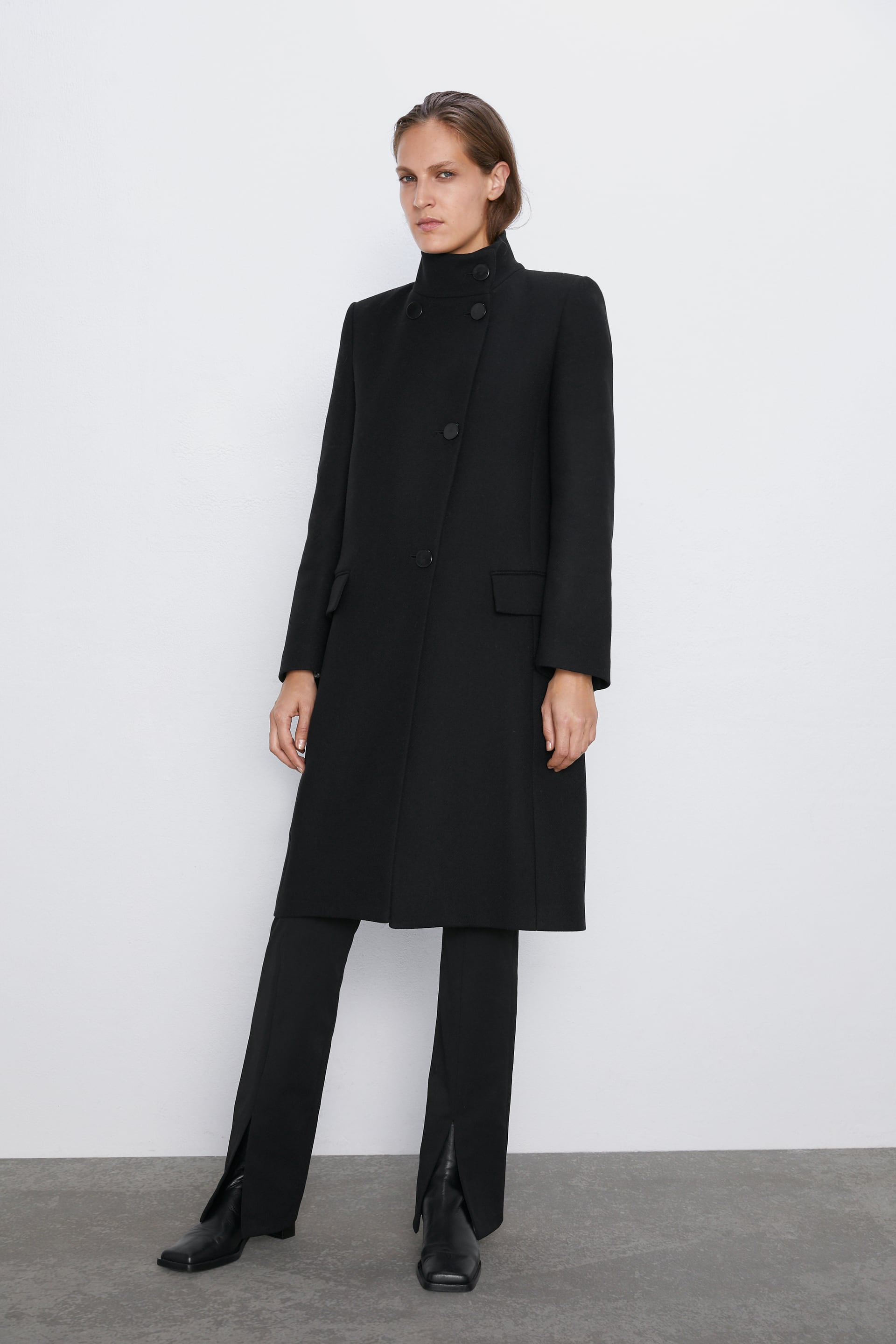 COAT WITH HIGH COLLAR