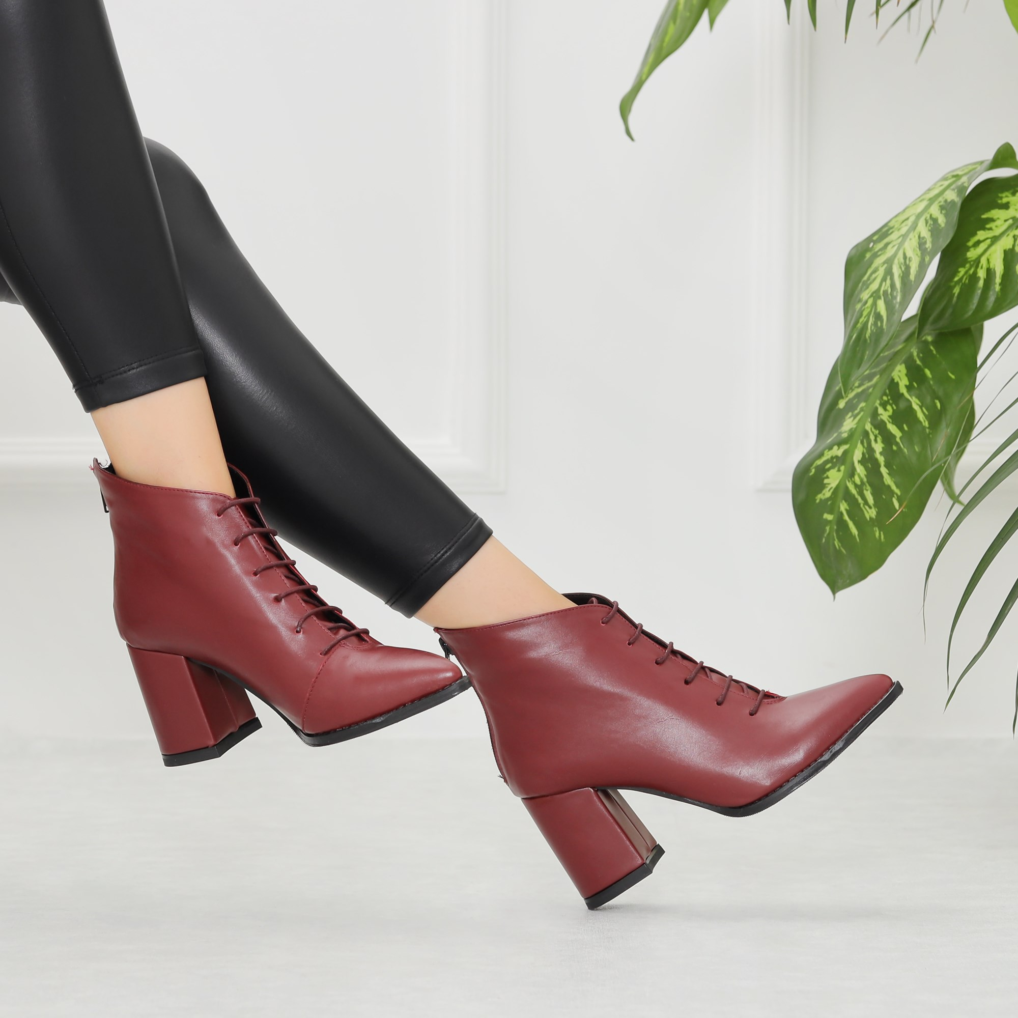 Yuzuno Plum Thick Heel Pointed Toe Boots