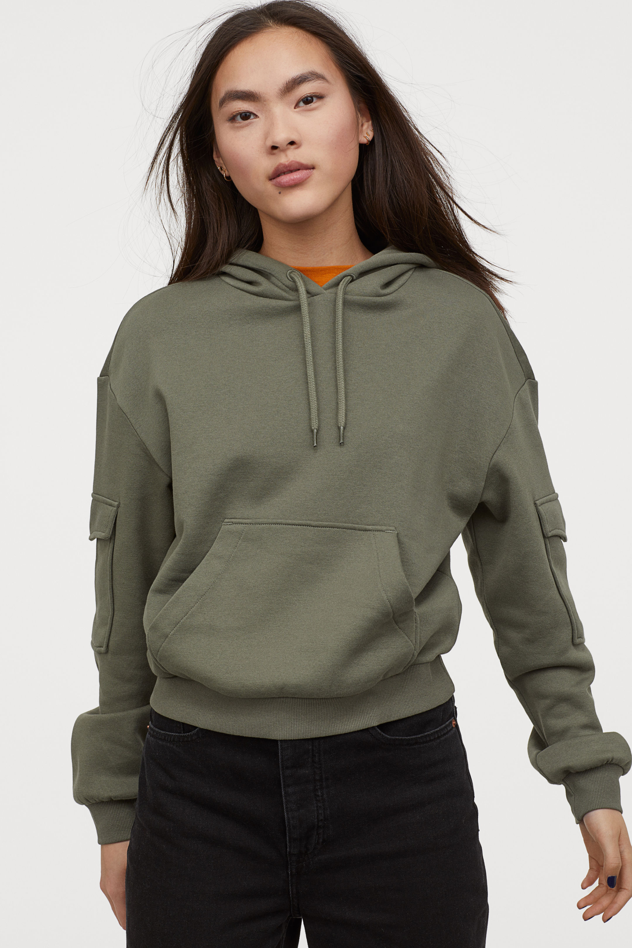 Hooded Short and Wide Top