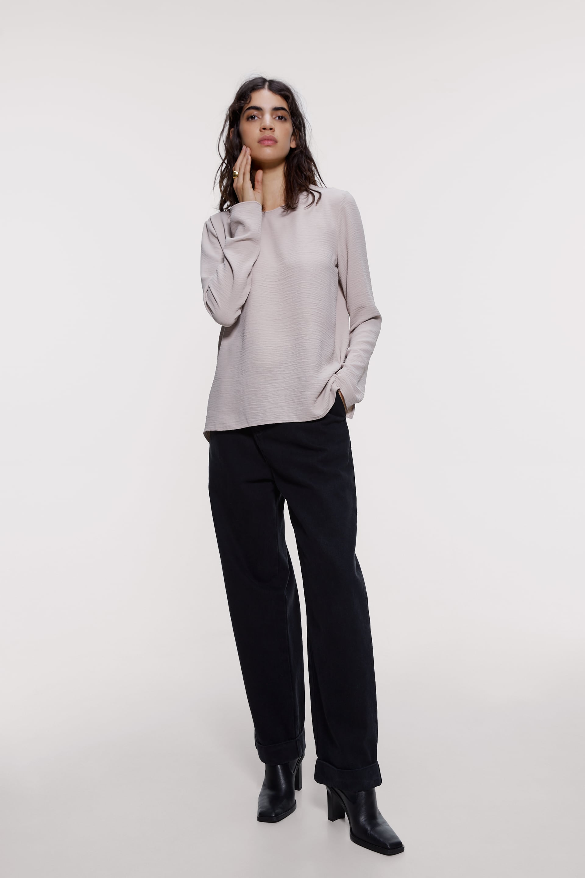 CREASED-EFFECT TOP