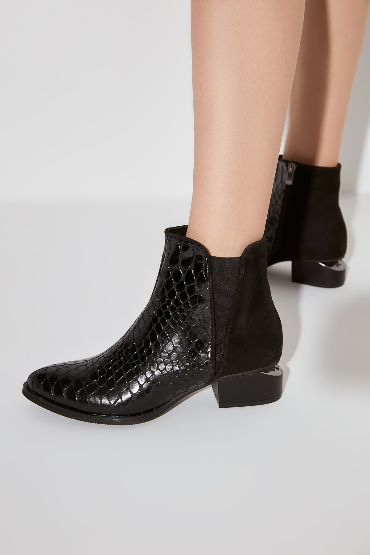 Black Kroko Patterned Women Boots & Bootie TAKAW20BO0253