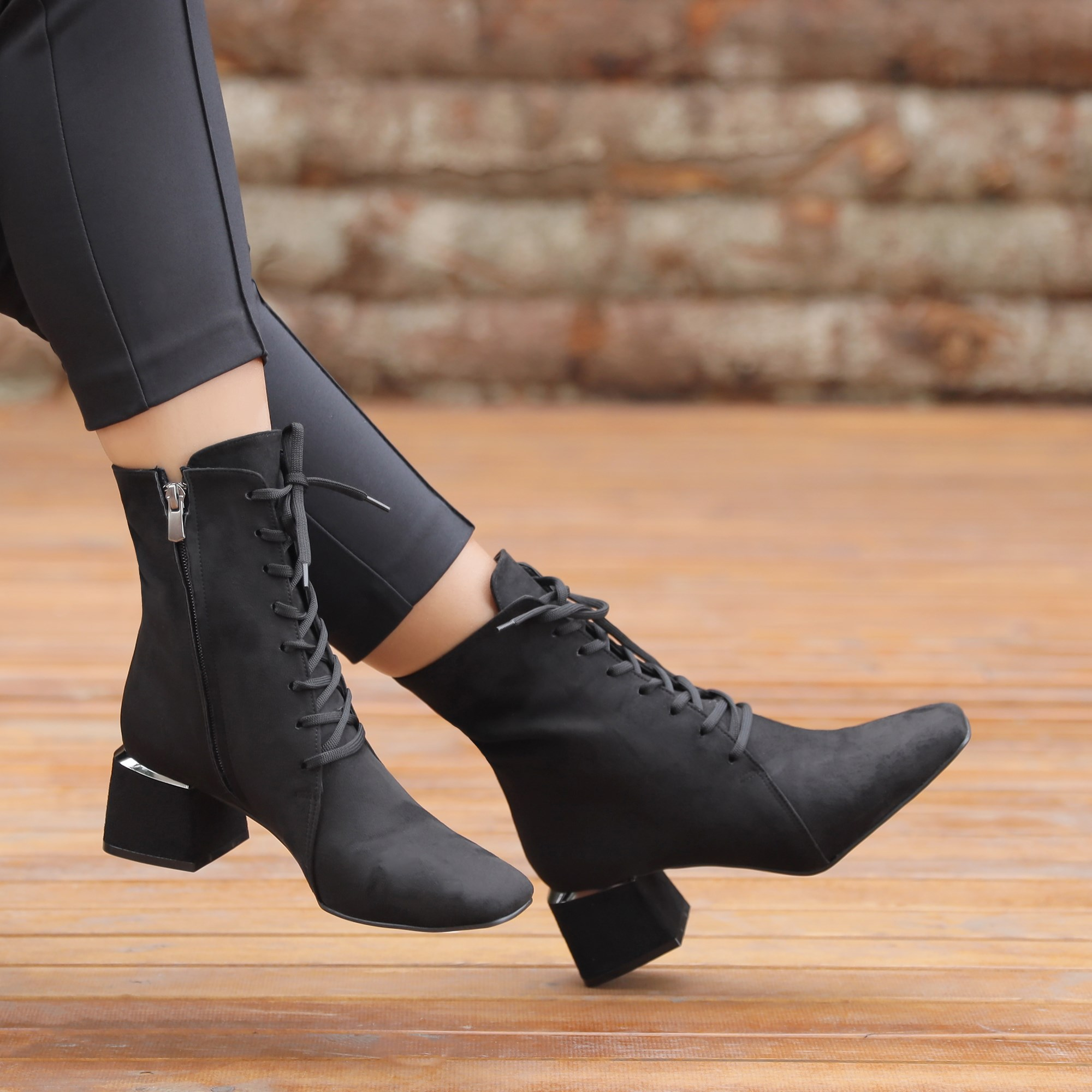 Labrada Suede Black Thick Heeled Lace-up Boots