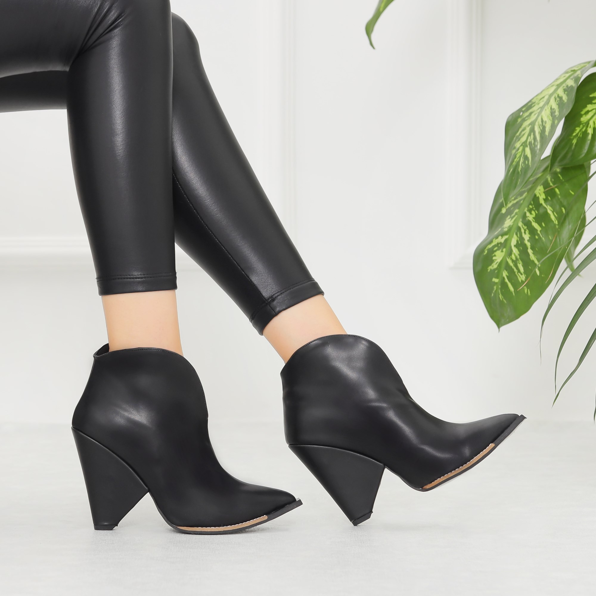 Merkel Black Thick Heels Pointed Toe Boots