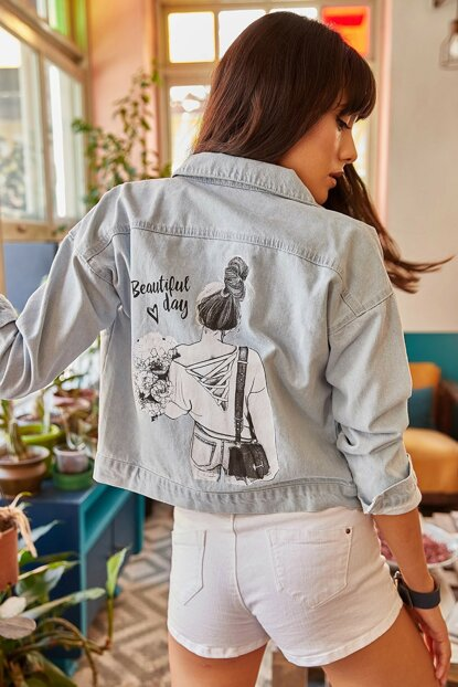 Women's Light Blue Pocketed Back Printed Denim Jacket CKT-19000100