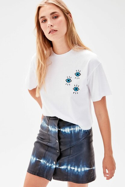 White Embroidered Loose Mold Knitted T-shirt TWOAW20TS0038