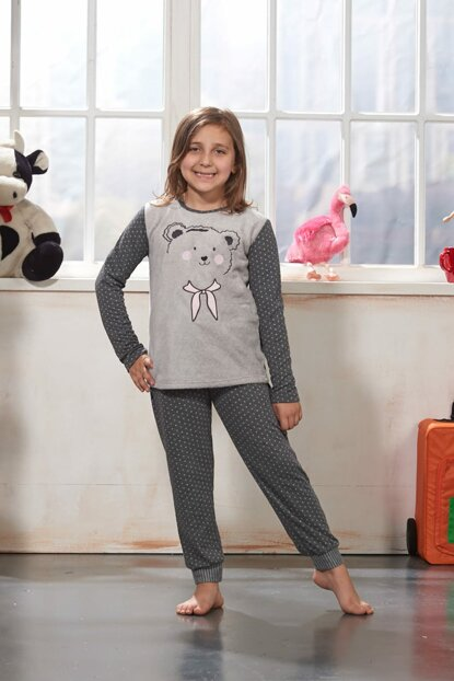 Girl's Green Pajamas Set with Embroidered 7781