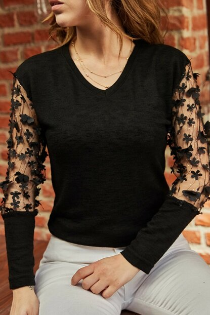 Women's Black Handle Accessory Sweater 9YXK2-41821-02