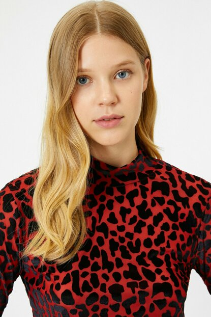 Women's Red Leopard Printed T-Shirt 0KAK13814EK