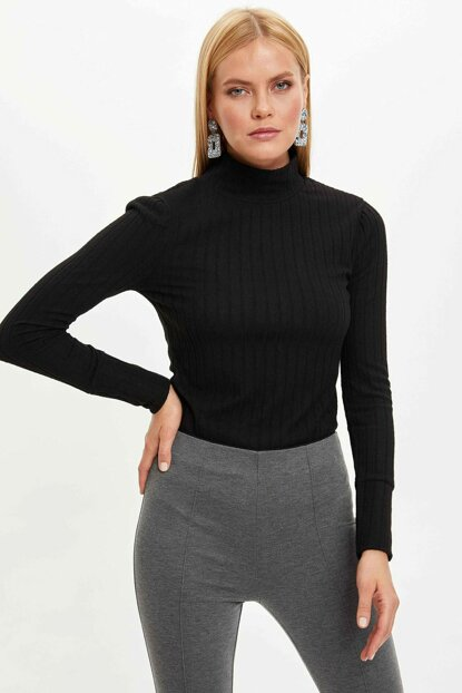 Women's Black Slim Fit Turtleneck Long Sleeve T-shirt N1572AZ.19WN.BK27