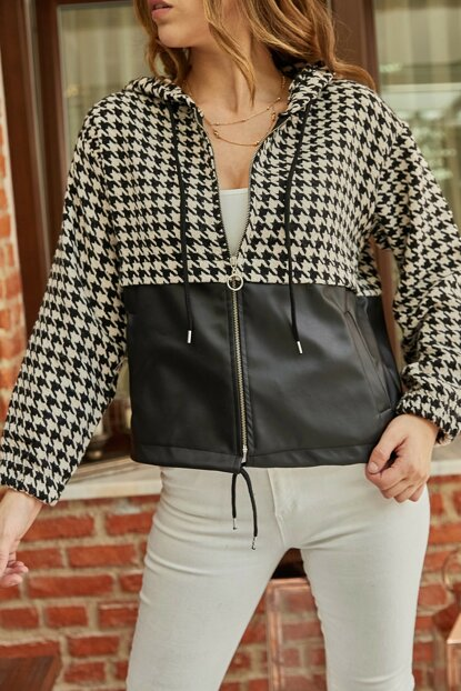Women's Black Crowbar Patterned Zipper Coat 9YXK8-41873-02