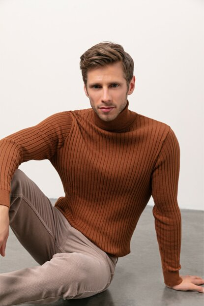 Men's Tobacco Turtleneck Sweater 338083